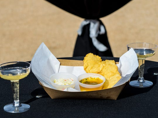 Fried Fizzy Food Truck In Phoenix Pairs Fried Chicken Champagne