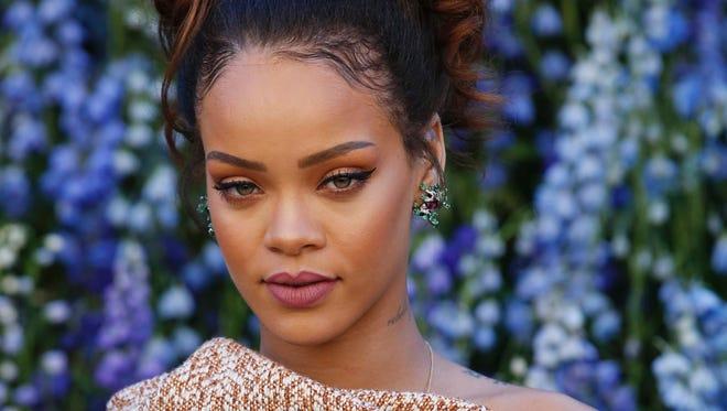 Rihanna at the Christian Dior 2016 Spring/Summer fashion show.