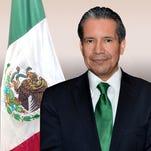 Se espera que un millón 200 mil mexicanos viajen de Estados Unidos a México en el verano. El gobierno ha tomado medidas para ayudar con el flujo en lugares tal como el puerto de Nogales.