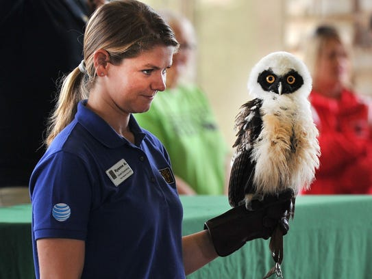 Dallas Zoo Guest Experience's Ryanne Ardisana shows