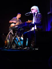 Ian Hunter of Mott the  Hoople fame performs at the