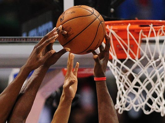 SPO-BKN-NBA-CLIPPERS-BUCKS
