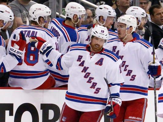 Rangers Penguins Hockey-GLD7BO8HM.1