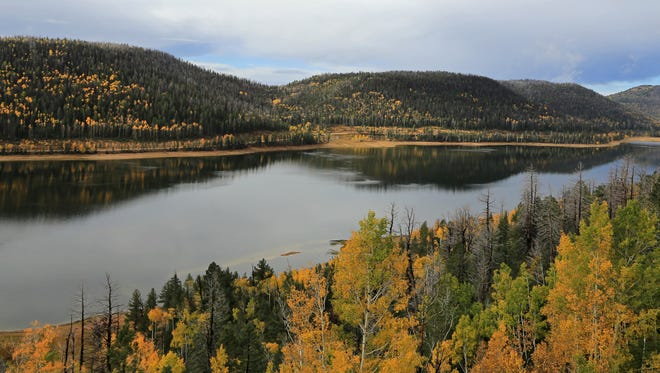 Navajo Lake as seen from the viewpoint along state Route 14.