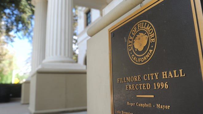 """The Fillmore City Council voted 5-0 Tuesday to reject a 22-unit condo complex in a """"transitional zone"""" outside the downtown core."""