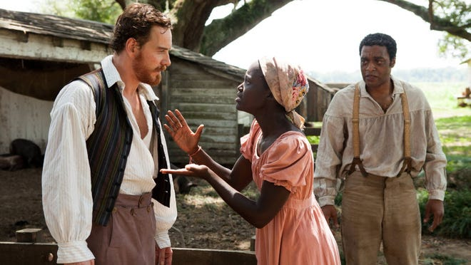 Critic Claudia Puig is betting on '12 Years a Slave' to win the best-picture Oscar.