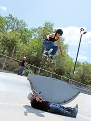 On a dare, Victor Lopez goes high over emcee Raymond