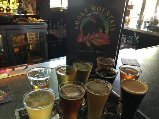 Smoky Mountain Brewery has locations in Knoxville, Maryville, Gatlinburg and Pigeon Forge. Its extensive flight menu includes Appalachian Pale Ale, Helles, Mountain Light, Cherokee Red Ale, IPA and Black Bear Ale. Also on tap is a seasonal selection, a dark ale and a brewmaster special.