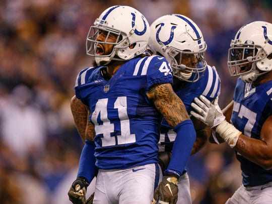 Indianapolis Colts strong safety Matthias Farley (41)