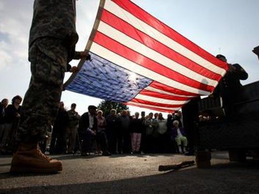 IMG_Veterans_Day.jpg_1_1_LS915FEO.jpg_20141106.jpg