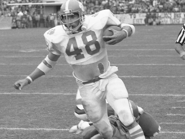 Clemson's Don Testerman (48) carries against Georgia