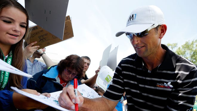 Jason Allred of the United States signs autographs during a practice round prior to the U.S. Open at Oakmont Country Club on June 15, 2016 in Oakmont, Pennsylvania.  (Photo by Christian Petersen/Getty Images)