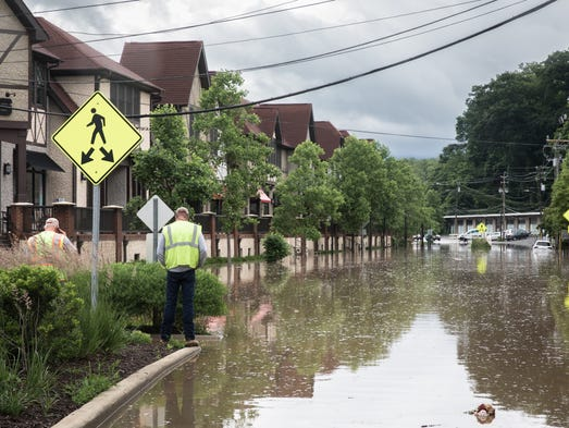 636632788036977328-BiltmoreVillageFlooding-MB27-05302018 WNC recovers as rain lingers from subtropical storm Alberto; May is wettest month on record