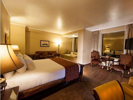 Silver Legacy Hotel Deals