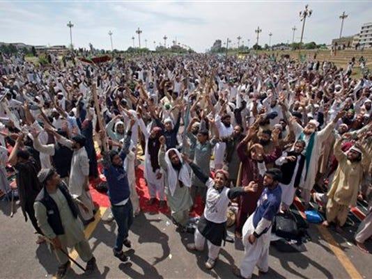 635948374820889549-Pakistan-Shie.jpg