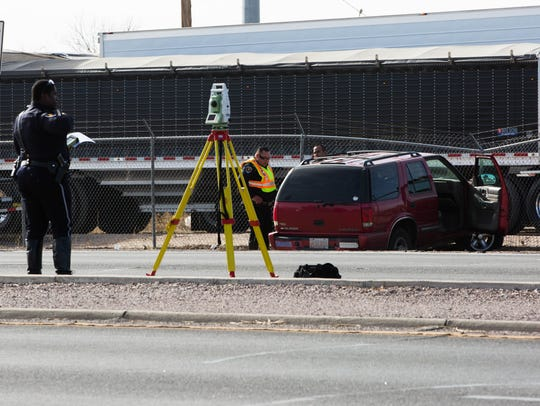 Las Cruces police investigate a single vehicle crash on Valley Avenue on Friday, Jan. 26, 2018.