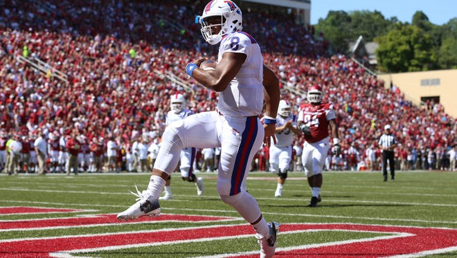 Louisiana Tech quarterback J'Mar Smith (8) is next up at quarterback in 2017 with the departure of senior Ryan Higgins.