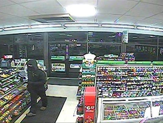 635875213556895529-7-11-Robbery-Suspect.jpg