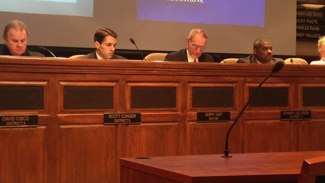Members of the Jackson City Council met Tuesday morning and gave full support to a resolution that supported Insure Tennessee.