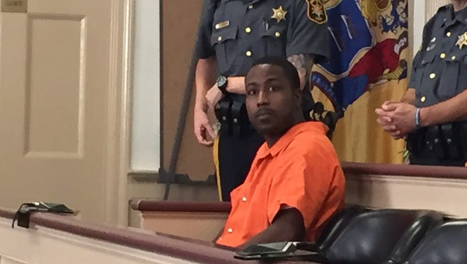 Admitted bank robber Stephen Smith in Superior Court, Morristown, on Nov. 13, 2015.