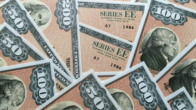 A glut of Series EE Savings Bonds bought in 1986 will stop paying interest in 2016.