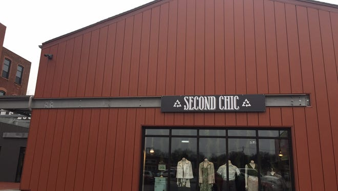 Second Chic opens