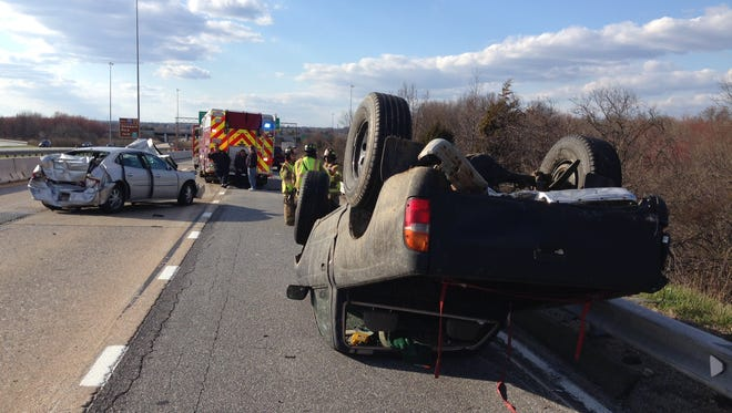 The crash closed all lanes of I-295 westbound.