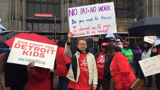 Clint Chico Detroit School of Arts holds No Pay = No Work rally outside of Fisher Building.