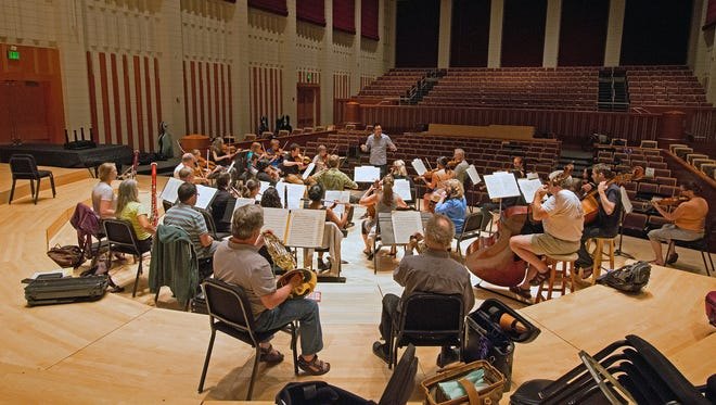 Salem Chamber Orchestra canceled the remainder of its 2015-2016 season. The 31-year-old organization's board is filing for bankruptcy.