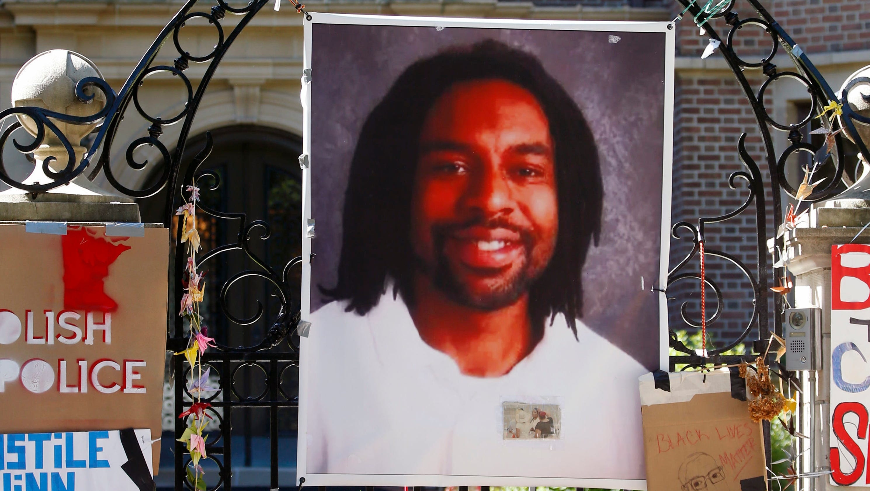 Philando Castile trial: Officer says motorist had hand on gun when shot