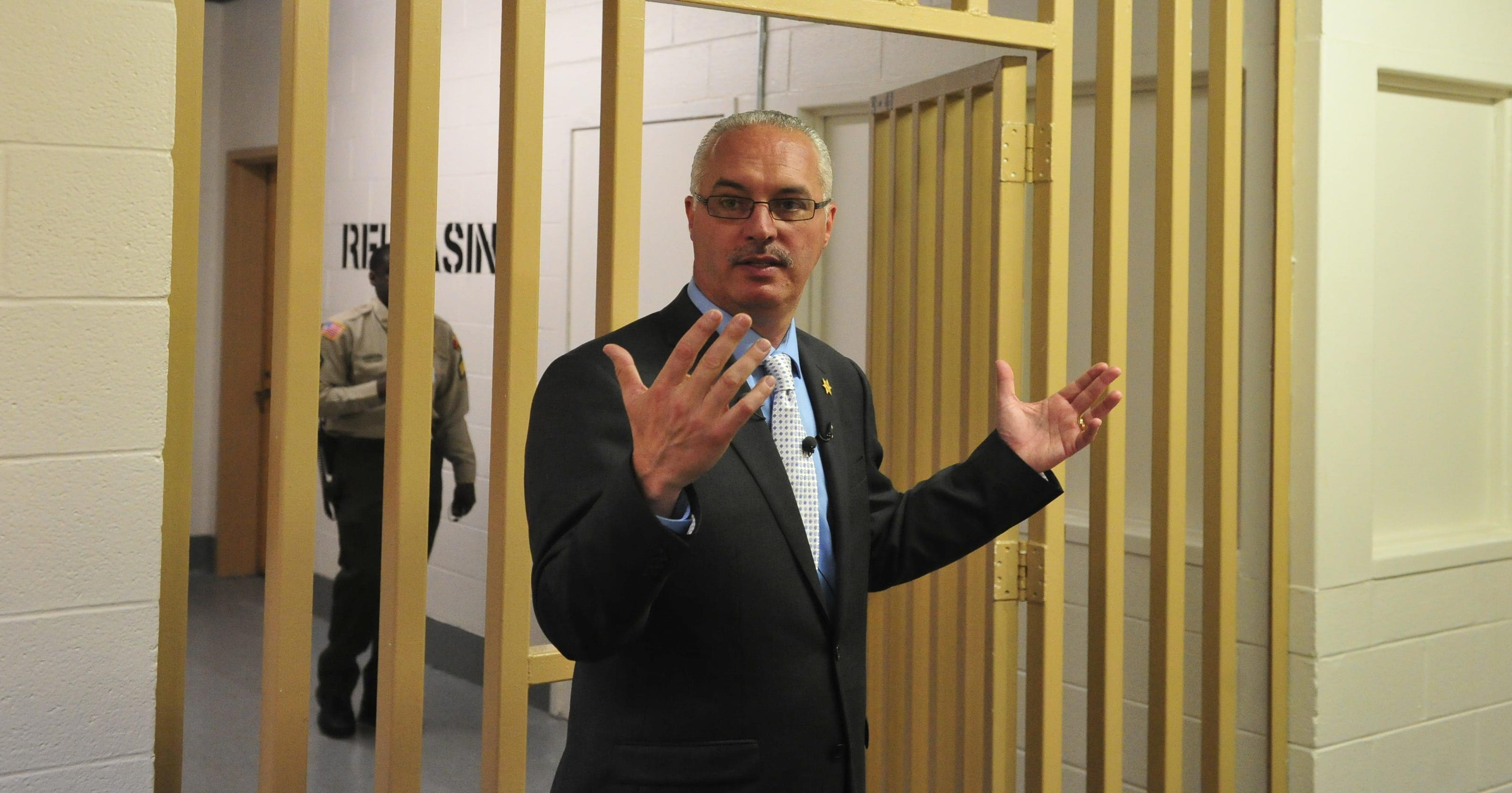 Davidson County sheriff to cut inmate phone call charges