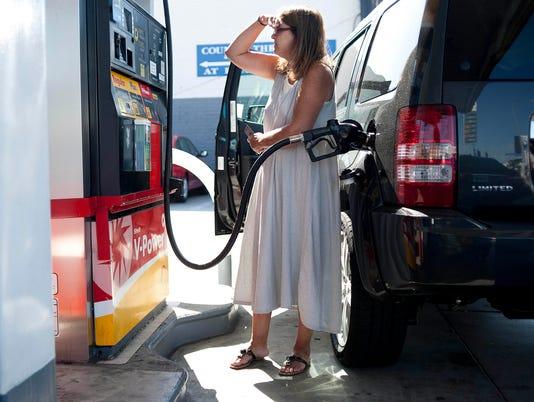 Gas prices set record: 1,000 days above $3 a gallon
