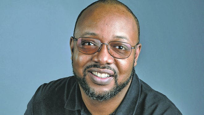 Leonard Pitts is a syndicated columnist