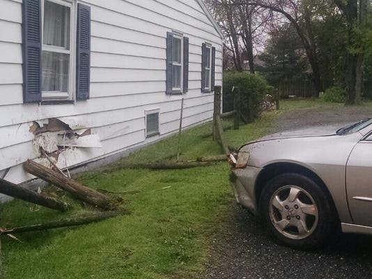 So.-Brunswick-car-hits-home.JPG