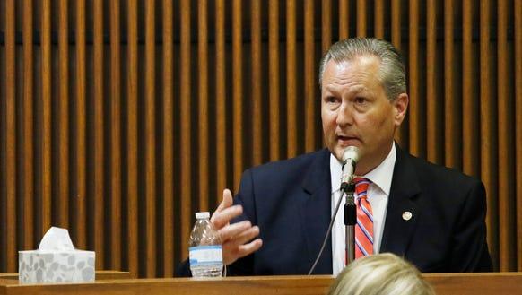 Alabama House Speaker Mike Hubbard testifies during