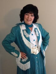 Linda Fazioli as Patsy Cline
