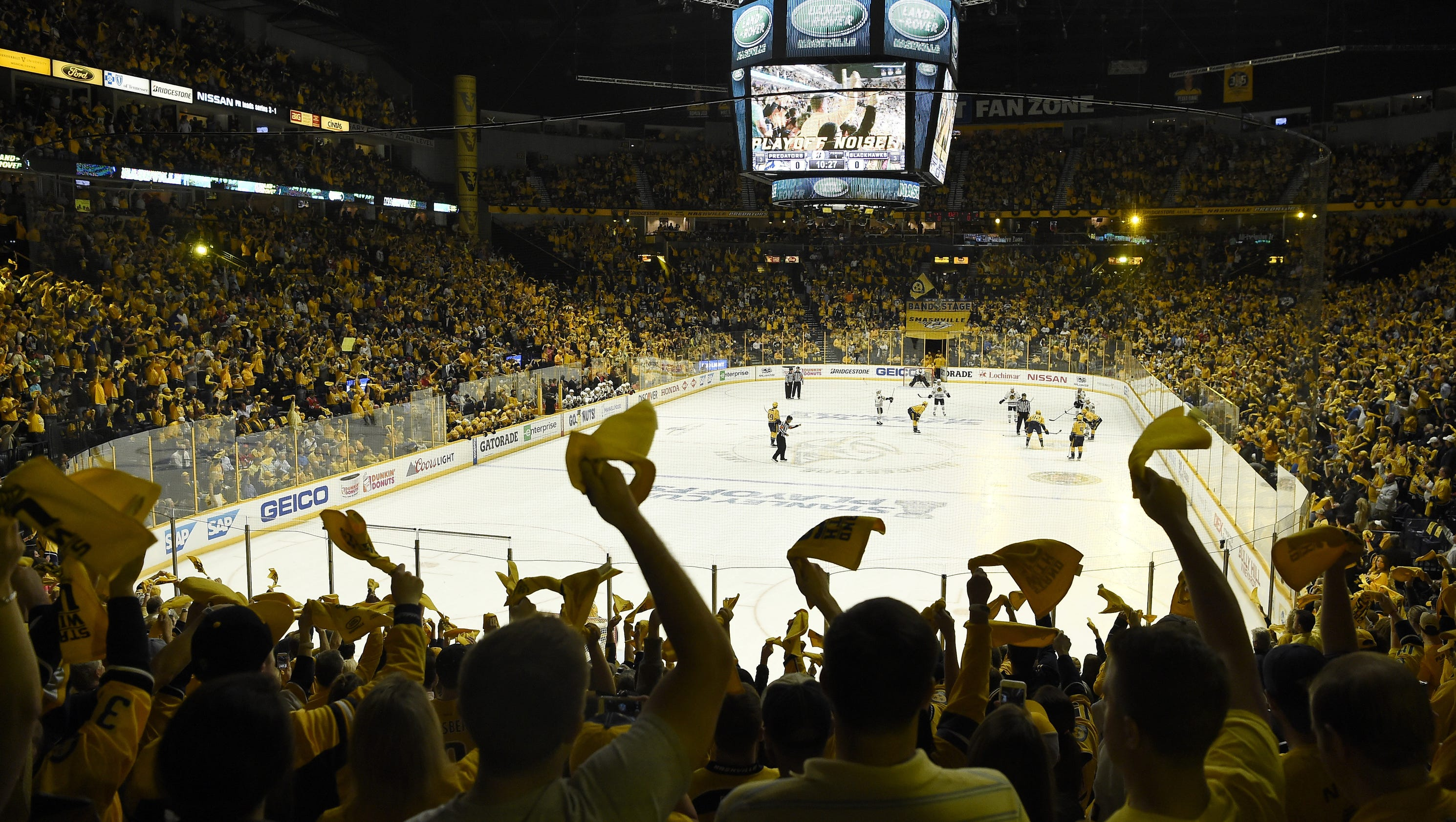 636328342420151434-preds-blackhawks-game4-025