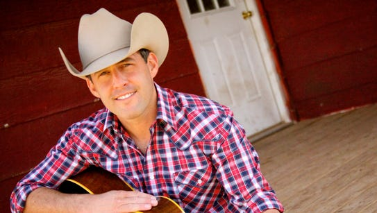 """Country singer Aaron Watson, whose album """"The Underdog"""""""