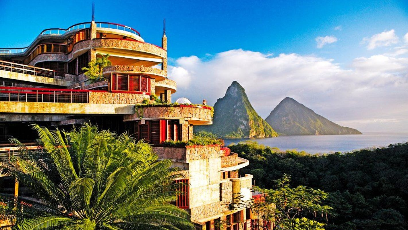 Caribbean honeymoons best resorts in st lucia for Best caribbean honeymoon resorts