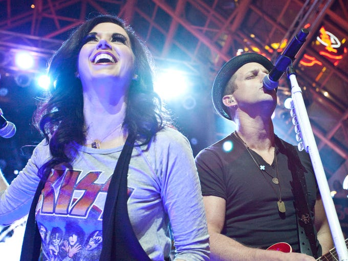 The Grammy Award nominated and Country Music Award winning duo known as Thompson Square packed the house at Fourth Street Live on Friday night. The free concert was a make-up for a cancelled show this past summer.