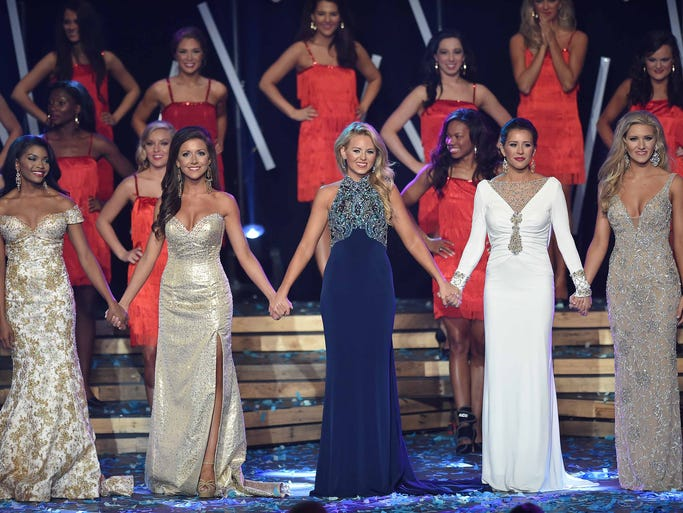 The top 5 were (from left) Jasmine Murray, Jessica Terrill, Randi-Kathryn Harmon, Caroline Connerly and Laura Lee Lewis.