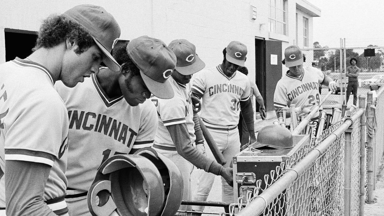 14332e2d933 150 years of Cincinnati Reds Baseball Caps