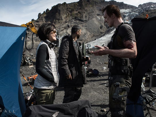 SDCC-2014-Halo-Nightfall-BTS-Lifting-Glaciers