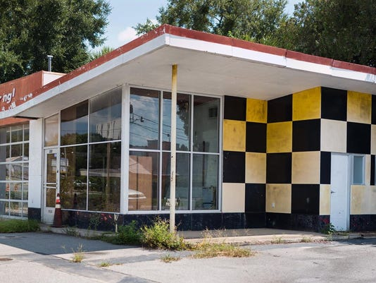 635830242877463761-historic-gas-station-