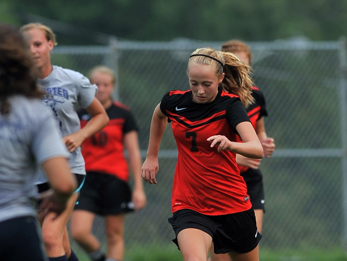 Fairfield Union's Rachel VerDow dribbles during a scrimmage Tuesday at Lancaster.