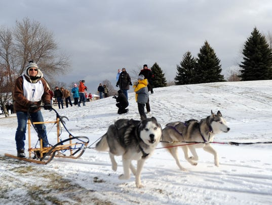636161894503234214-FON-1204-dog-sled-race-0210.jpg