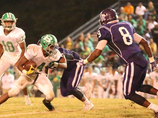 Bolivar's Correy Brown Jr. tries to avoid a tackle