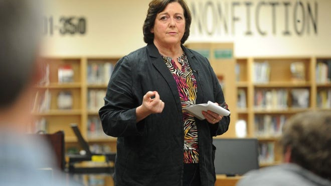 Knox County board of education member Karen Carson speaks during a community forum she called to discuss the recent threats against Farragut High School, in Farragut High School's library, on Thursday, March 31, 2016. (CAITIE MCMEKIN/NEWS SENTINEL)