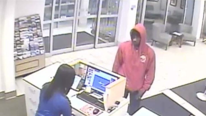 Armed robber strikes two hotels in Farmington Hills