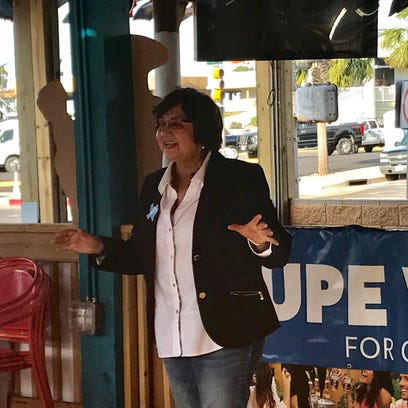 Lupe Valdez tops Andrew White to win Democratic runoff for governor